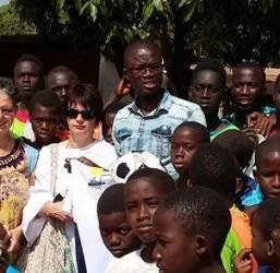 UNICORNO STYLE & ACCORCIAMO LE DISTANZE together for Africa